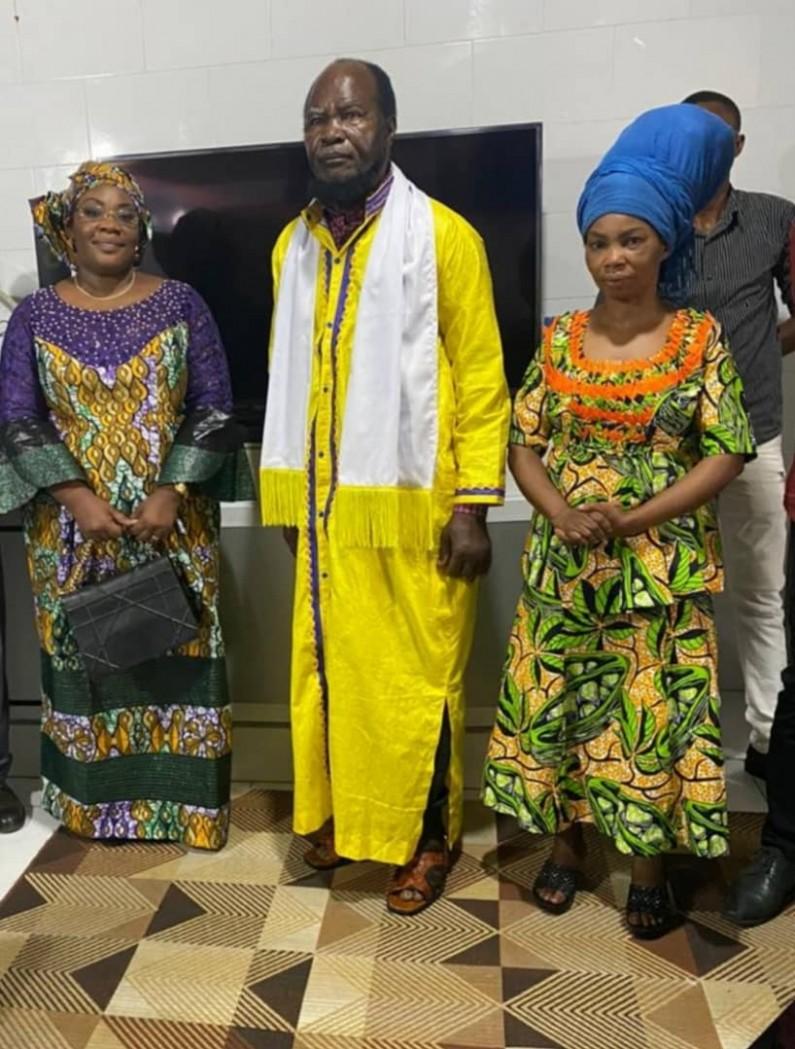 La sénatrice Néfertiti Ngudianza rend une visite de courtoisie à Ne Muanda Nsemi