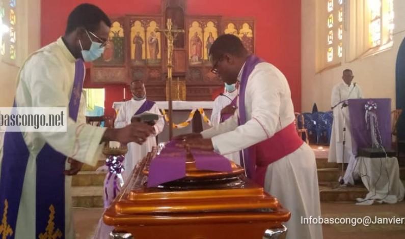 """Kongo central : émotions intenses aux funérailles de l'abbé François Ndjimbi, inventeur de """"Londocas"""""""