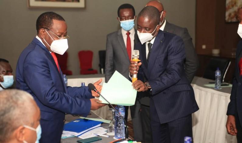 RDC: le député Modero Nsimba dépose la déclaration d'appartenance de l'ATIC à l'Union sacrée pour la nation à l'informateur Bahati