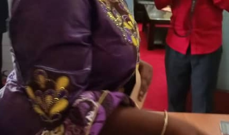 RDC: Néfertiti Ngudianza, candidate rapporteur adjoint du Sénat