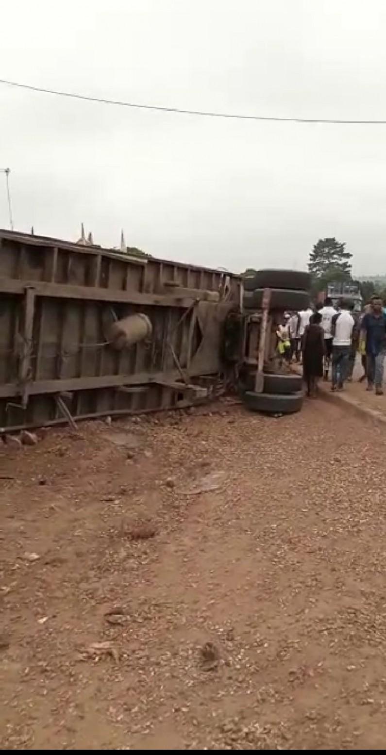 La dangereuse descente de Dilombele à Mbanza-Ngungu occasionne encore un accident mortel de la route