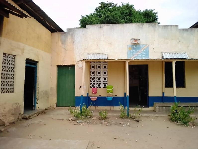 Boma : une enseignante succombe craie à la main dans la salle de classe