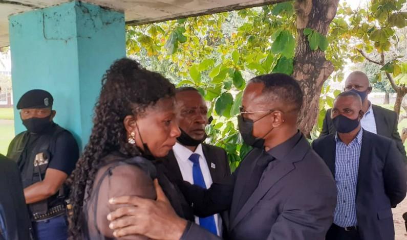 Aux funérailles du pharmacien Batangu Mpesa, sa fille plaide auprès du gouverneur Atou Matubuana pour sa sécurité