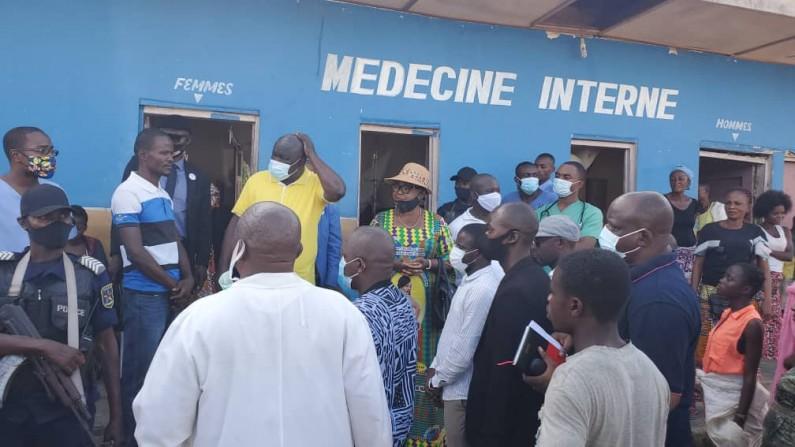 Kongo central : le président de l'Assemblée provinciale Jean-Claude Mvuemba va inhumer les morts de la dernière pluie à Kasangulu
