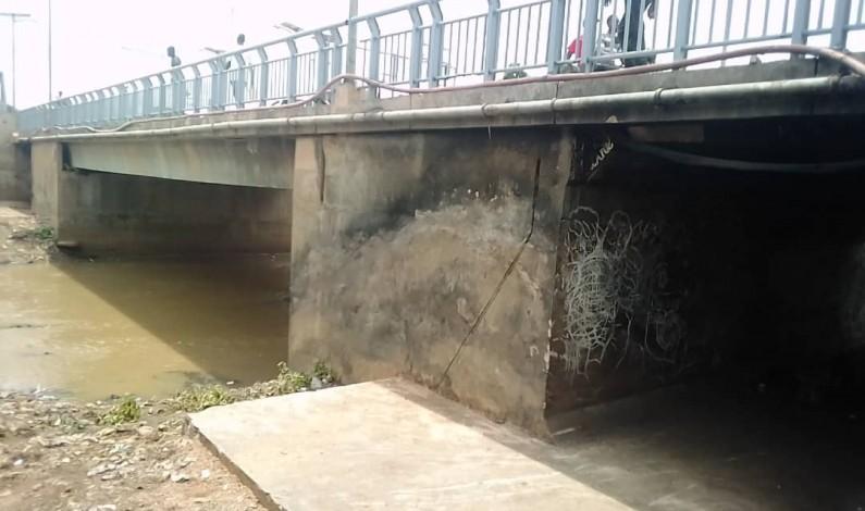 Quand la fondation Mambimbi s'investit dans l'assainissement des édifices et  voies d'accès d'intérêt public, à Boma