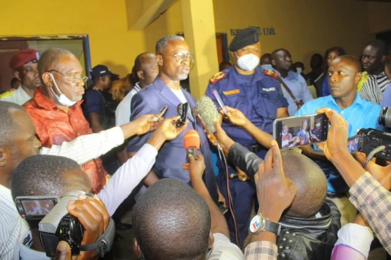 Insécurité à Mbanza-Ngungu : le gouverneur Atou Matubuana consulte les groupes organisés pour une solution