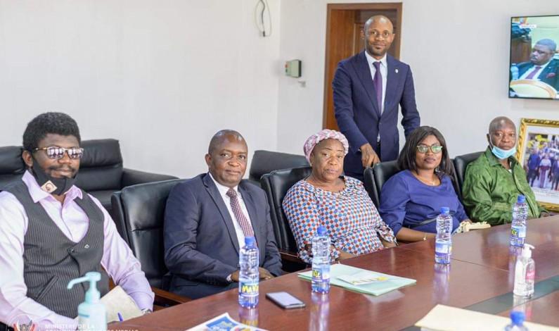 RDC : les radios communautaires vont accompagner le gouvernement pendant l'état de siège dans le Nord-Kivu et l'Ituri