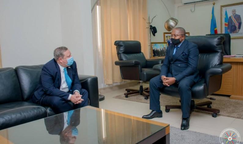 RDC: le respect des droits humains au centre d'une entrevue entre l'ambassadeur des USA et le ministre Puela