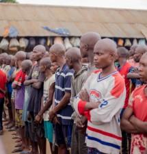 """""""A Mbanza-Ngungu, la moyenne des décès par trimestre tourne autour d'une bonne dizaine,alors qu'à Matadi, c'est 64 décès par trimestre"""": Albert Fabrice Puela découvre des prisons """"mouroirs"""" au Kongo central"""
