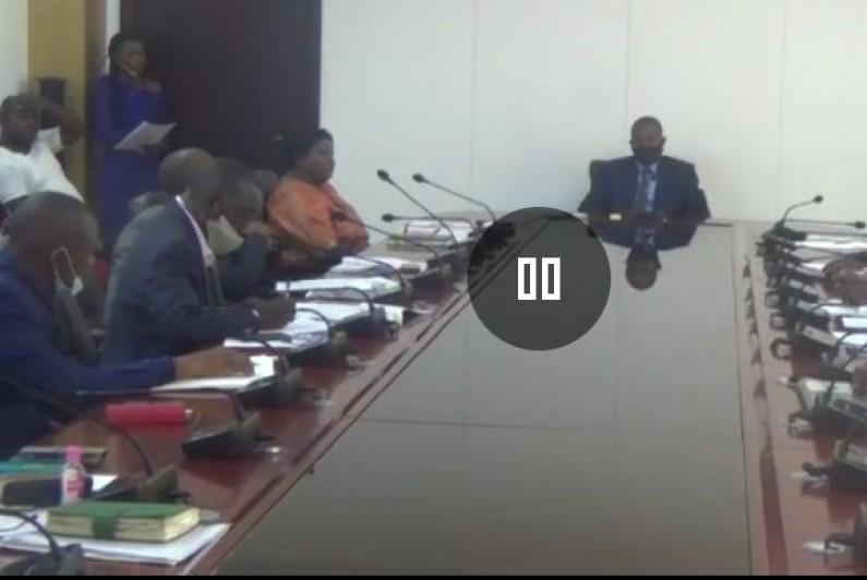 Lassés de la capture régulière de leurs navires par les Angolais, les entreprises de pêche du Kongo central saisisent le gouverneur ai Justin Luemba