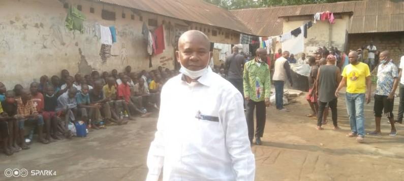 Après Boma, la Fondation John-Bosco Khonde offre de nouveau un repas aux prisonniers de Kasangulu