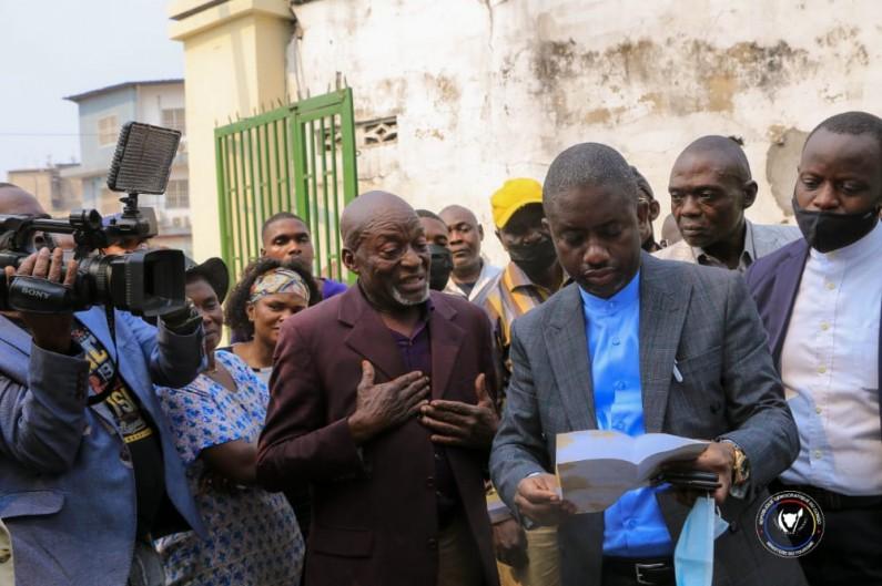 Constructions anarchiques au zoo de Kinshasa: l'ultimatum du ministre du Tourisme Modero Nsimba