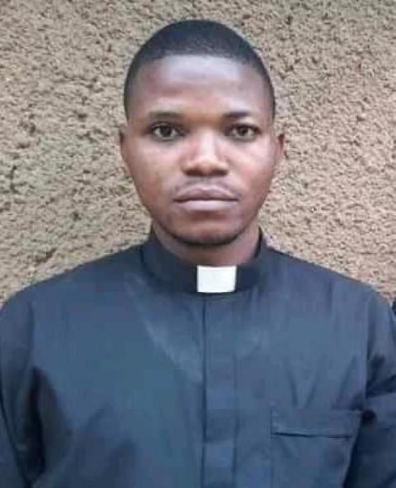 Kongo central : le corps sans vie de l'abbé Pierre Nzinga retrouvé dans sa chambre